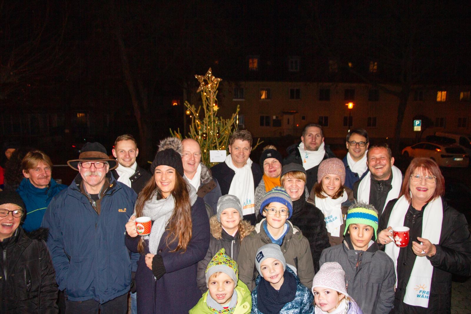 """FREIE WÄHLER bei der Christbaummeile – """"Wunschsterne"""" schmücken unseren Weihnachtsbaum"""